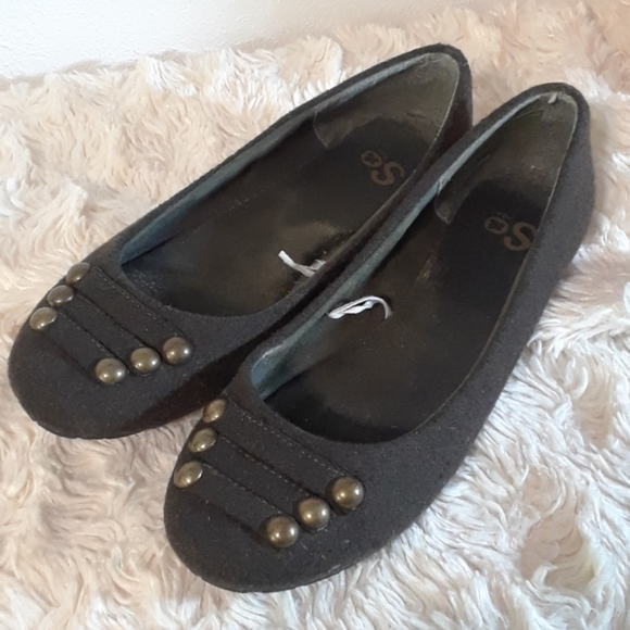 SO Army Green Flats Gold Buttons Size8